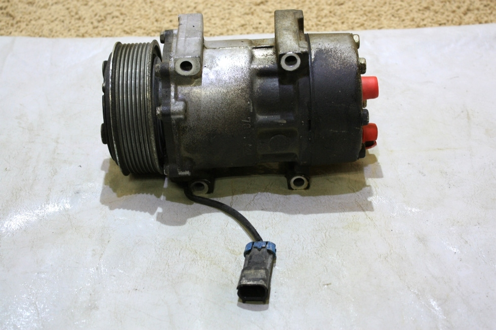 USED MOTORHOME SANDEN AC COMPRESSOR U4667 FOR SALE