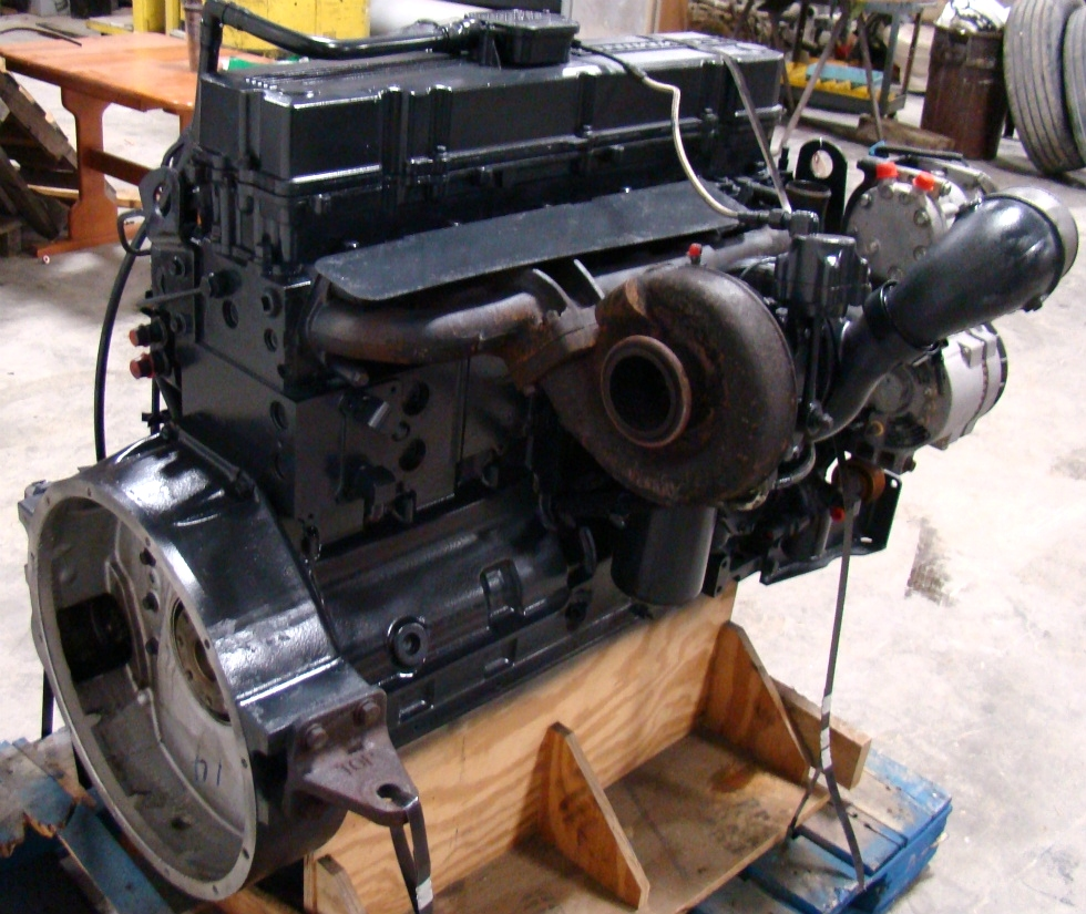 USED CUMMINS ENGINE   FOR SALE COMMON RAIL 8.8L 2004 LOW MILES