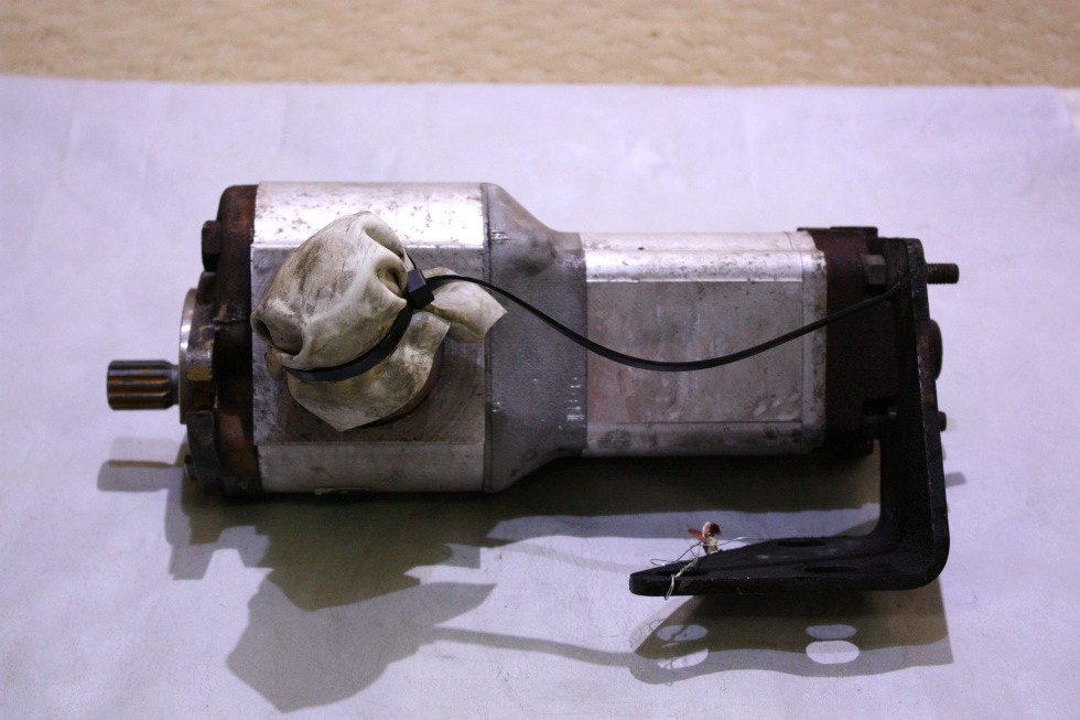 USED SAUER DANFOSS HYDRAULIC PUMP 38538160150 FOR SALE