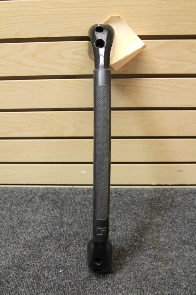 USED RV INTERIOR OR EXTERIOR BLACK GRAB BAR SIZE: 18 INCH